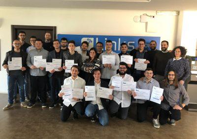 foto di consegna degli attestati agli alunni del corso di formazione Links Academy